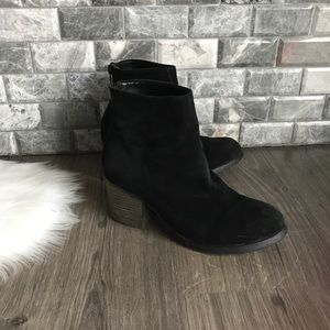 Tony Bianco Suede Ankle Boots booties black
